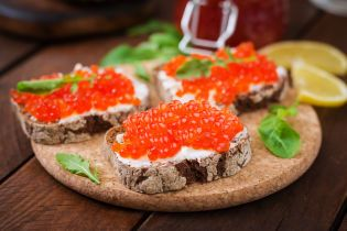 7 вагомих причин їсти червону ікру щодня