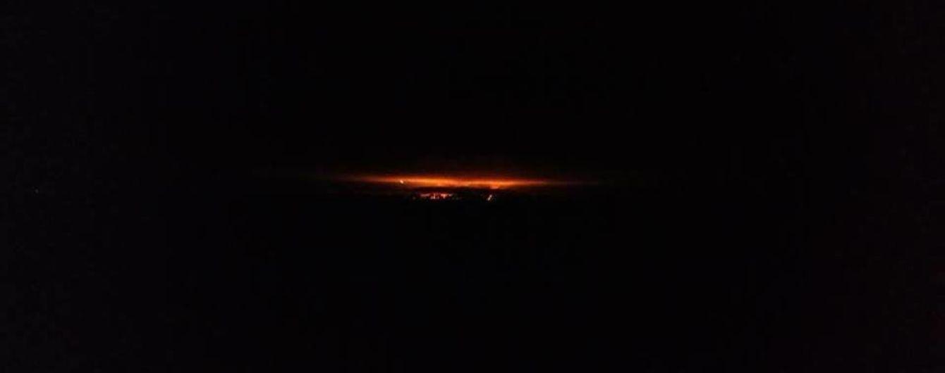 Мощные взрывы на военном складе возле Ичне: движение транспорта и самолетов закрыли, эвакуировали уже 10 тысяч человек