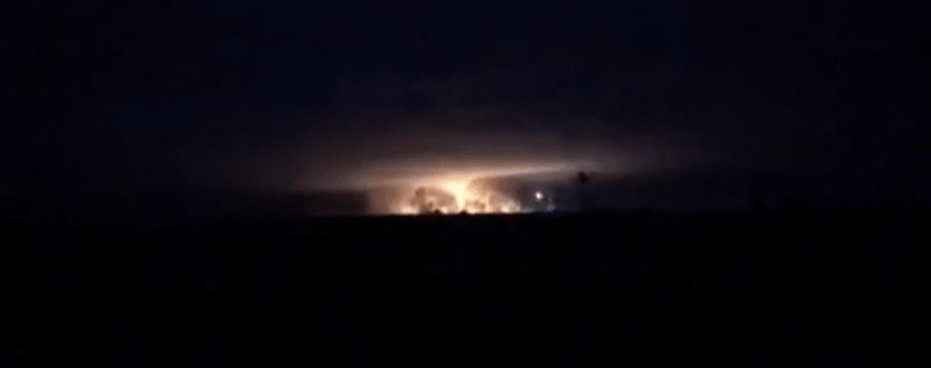 На военном складе возле Ични ежесекундно раздается два-три взрыва