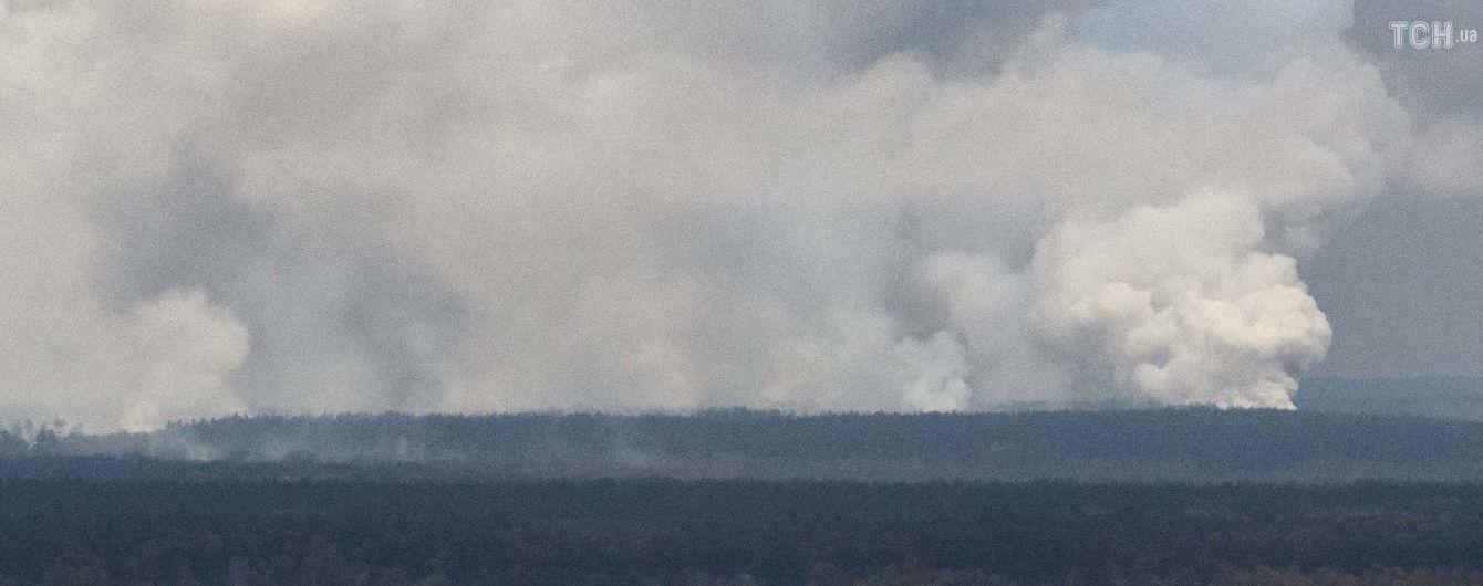 Сильный пожар на военном складе возле Ични спровоцировали взрывы в четырех разных местах - Генштаб