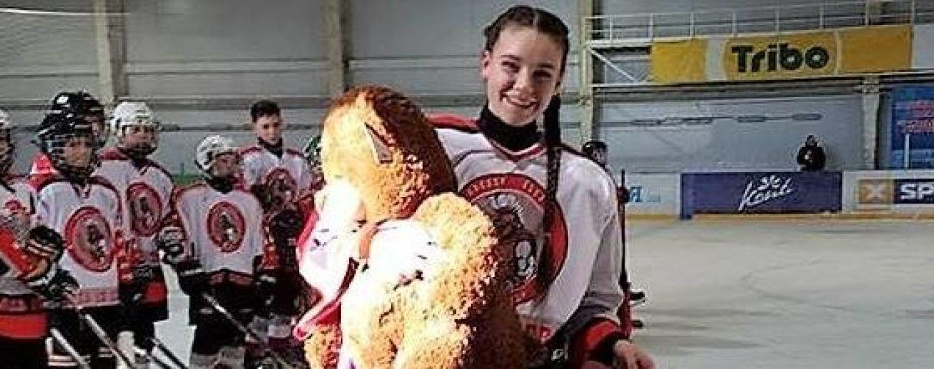 """Справжня """"Гладіаторка"""": вперше в історії у чоловічому чемпіонаті України з хокею зіграє дівчина"""