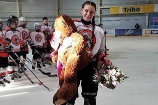 """Настоящая """"Гладиаторша"""": впервые в истории в мужском чемпионате Украины по хоккею сыграет девушка"""