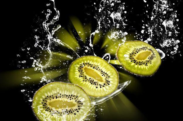 Недооценена ягода: киви содержит гораздо больше витамина С, чем цитрусовые