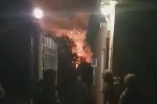 В Сети появилось видео выезда военных с арсенала в Ичне после начала пожара