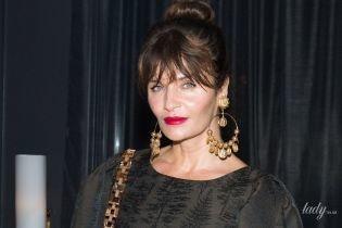 У міні та з красивими прикрасами: 49-річна супермодель Гелена Крістенсен сходила на вечірку