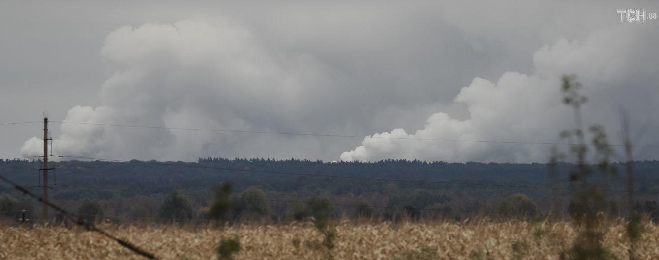 На арсенале в Ичне еще слышны одиночные взрывы - Минобороны