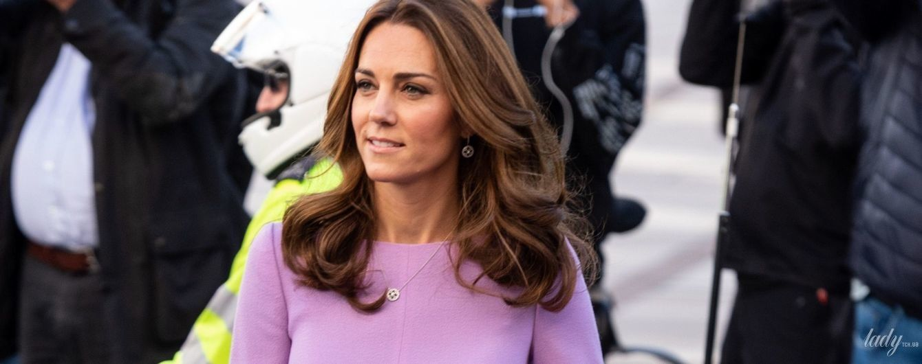 Блестящий выход: герцогиня Кембриджская в красивом и дорогом платье приехала на деловое мероприятие