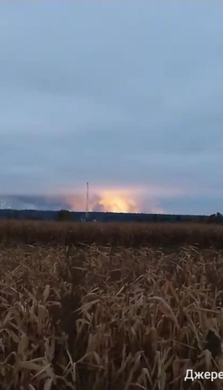Місцеві жителі зафільмували зарево від вибухів арсеналу біля Ічні