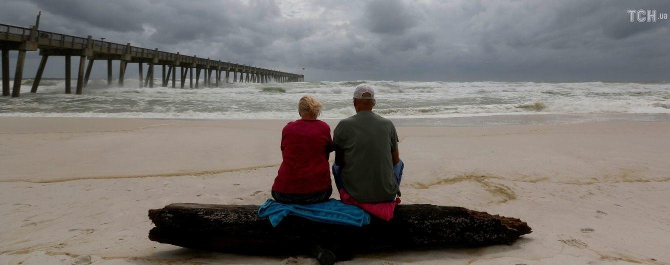 """Ураган """"Майкл"""", который надвигается на побережье США, становится все более мощным"""