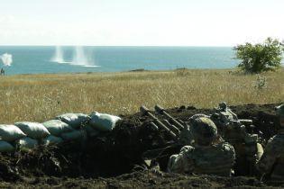 Катера, авиация и танки: под Мариуполем военные провели учения по отражению атаки с моря