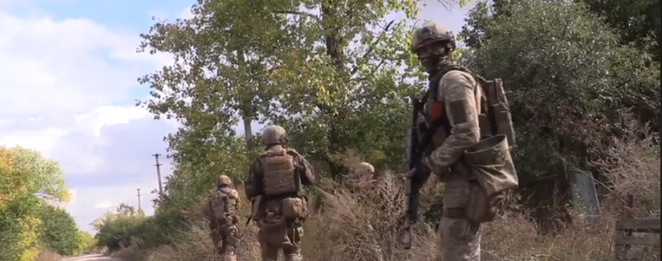 Сутки на Донбассе: 11 обстрелов террористов, боец ООС ранен