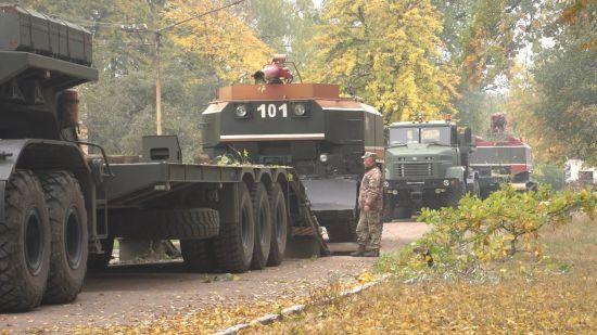 Ситуація на військовому арсеналі біля Ічні: гасіння пожежі та вибухи тривають