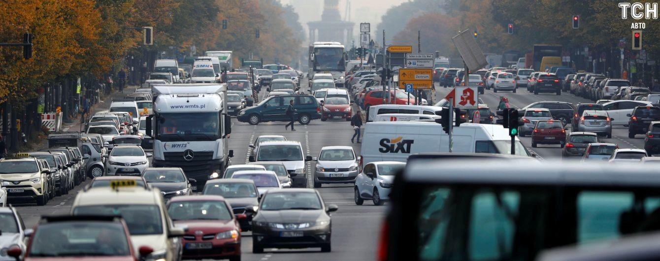 В Евросоюзе договорились о снижении норм автовыбросов СО2 к 2030 году