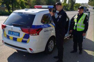 Власник авто не повинен платити штраф під час автофіксації порушення – адвокат