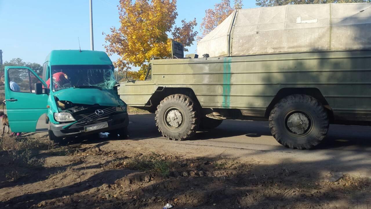 ДТП з військовим авто
