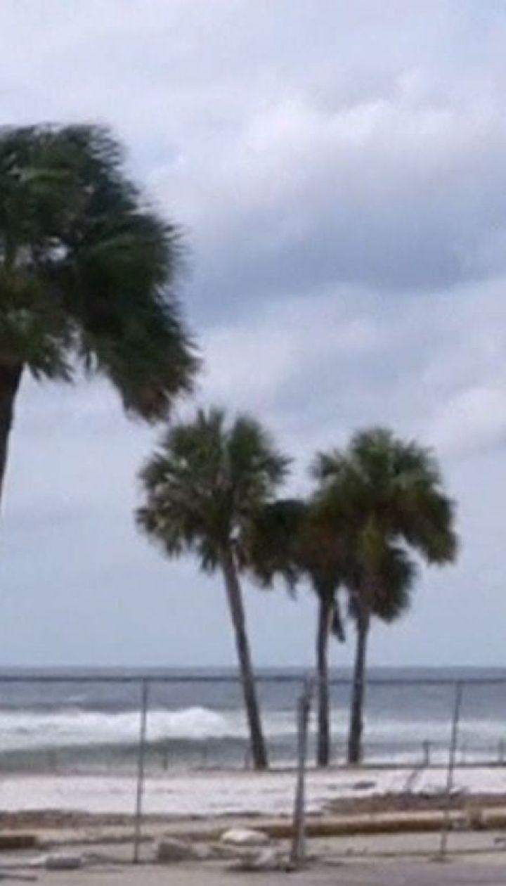 """На південно-східне узбережжя США насувається надпотужний ураган """"Майкл"""""""