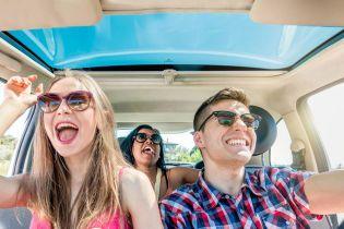Возьми музыку в дорогу: 8 лучших треков для путешествия