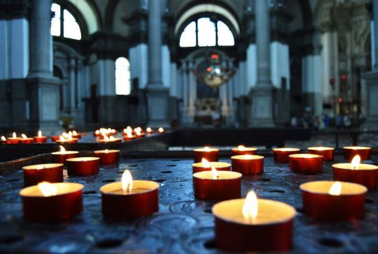 Навіть атеїсти святкують: як українські політики та блогери відреагували на рішення Костянтинополя щодо Томосу