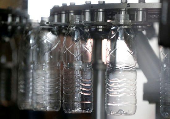 У Європарламенті проголосували за заборону одноразового пластикового посуду в ЄС