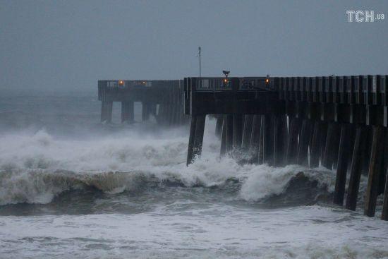 """У Флориді готуються до удару """"урагану століття"""""""