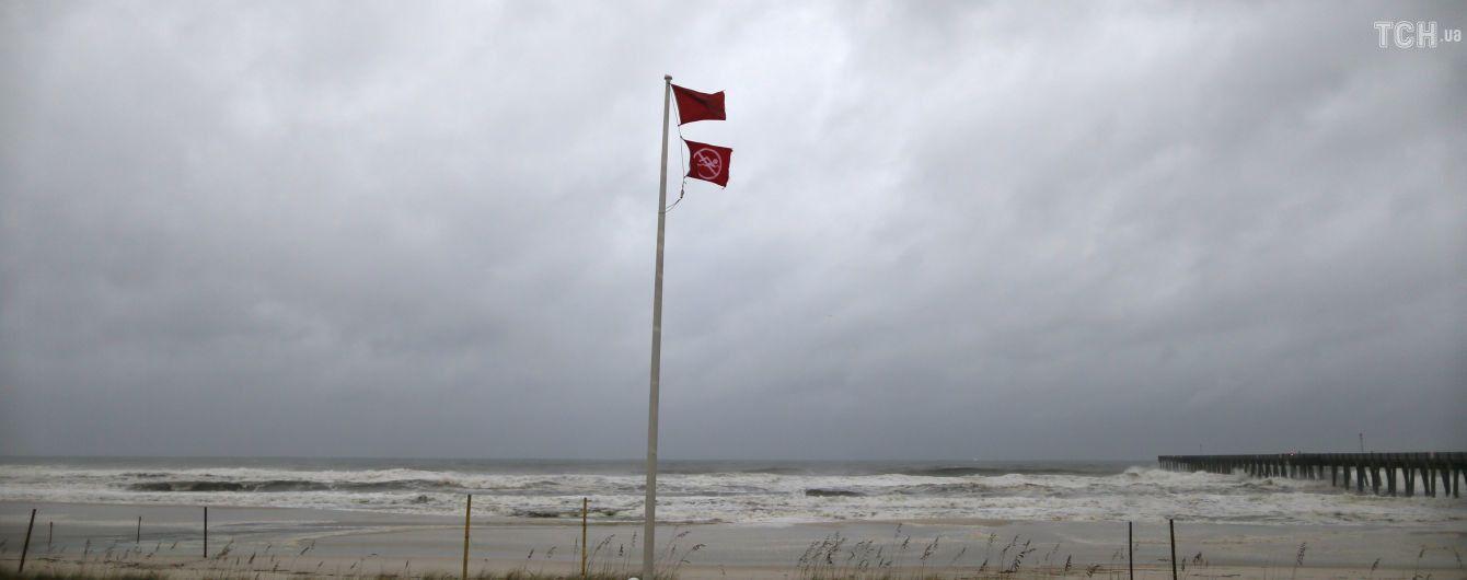 """Из-за урагана """"Майкл"""" эвакуировали персонал нефте - и газодобывающих платформ в Мексиканском заливе"""