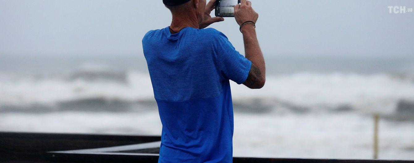 """Нефтедобывающие компании возобновили работу в Мексиканском заливе после сильного урагана """"Майкл"""""""
