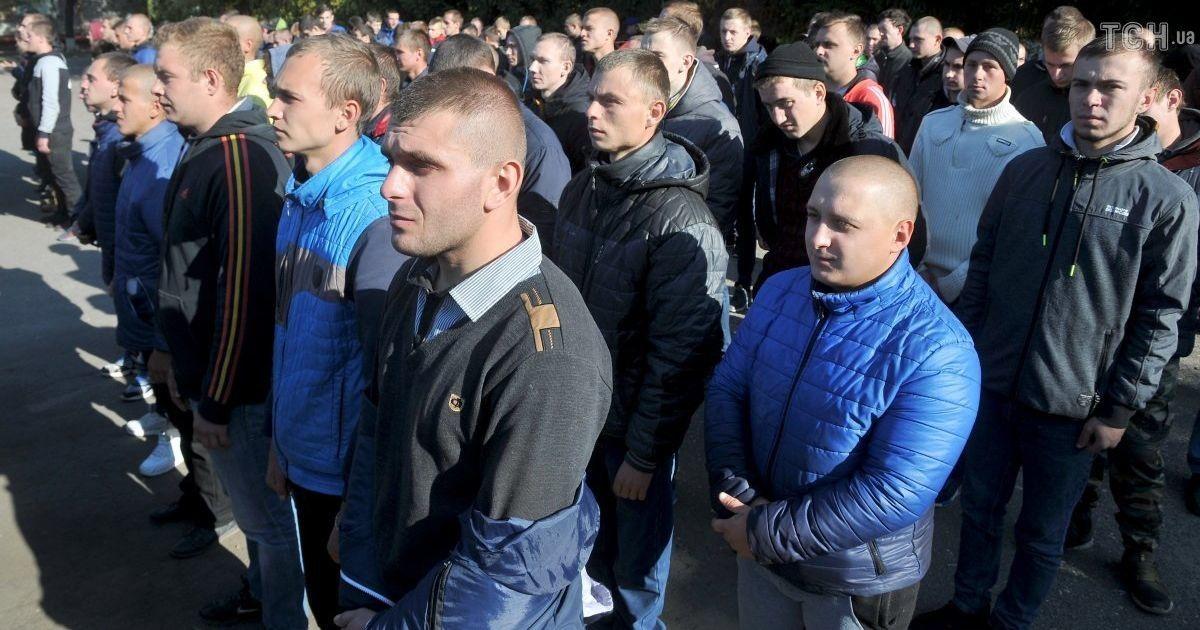 В военкомате бьют тревогу: призывная кампания в Киеве на грани срыва