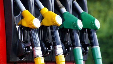 Украинские АЗС снизили стоимость топлива на фоне падения цен на нефть