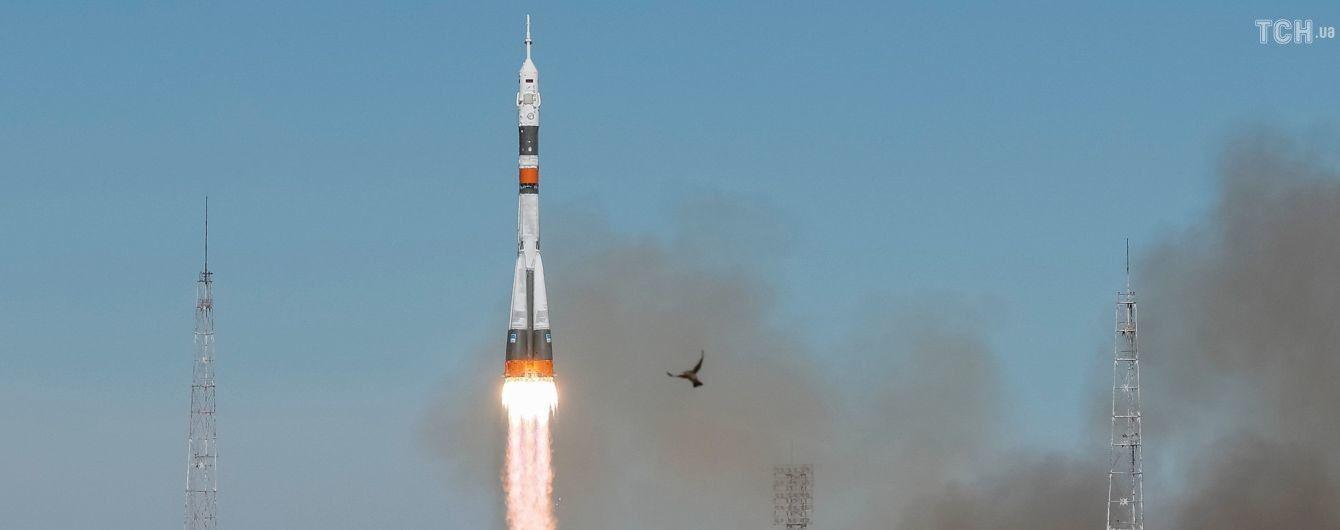 """В Казахстане во время полета ракеты """"Союз"""" произошла авария. Экипаж жив"""