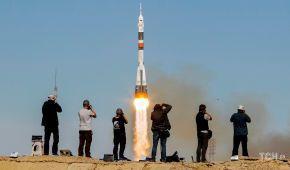 """Неудачный запуск. Опубликованы фото взлета и аварийного приземления экипажа ракеты """"Союз"""""""