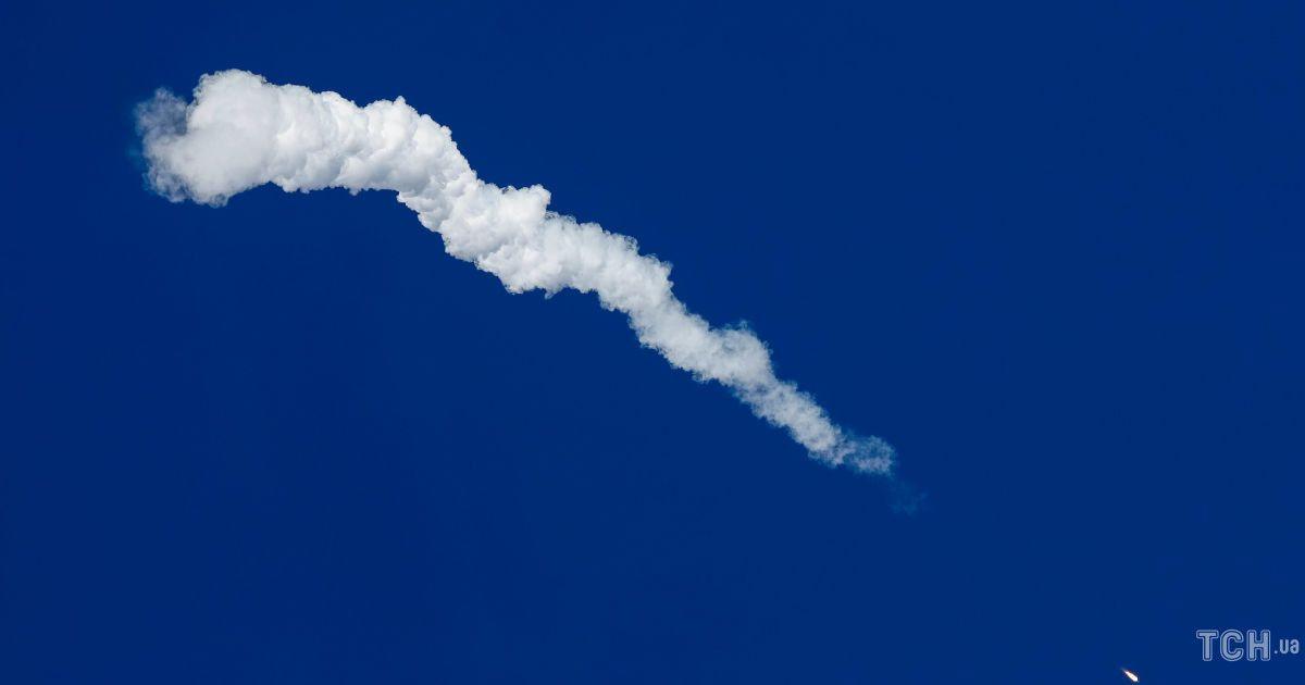 Аварійне приземлення екіпажу ракети