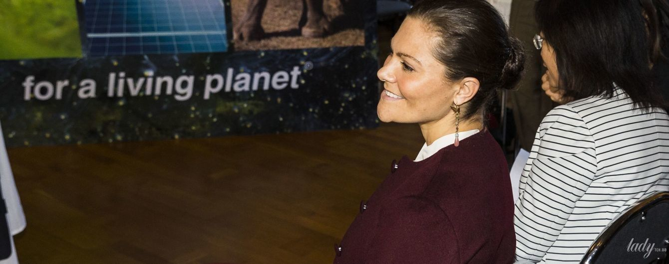 У штанному костюмі та з сумкою Valentino: стильний та діловий образ кронпринцеси Вікторії
