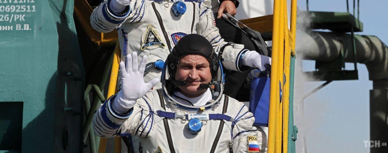 """""""Не вполне хорошее"""". В РосСМИ рассказали о состоянии космонавтов """"Союза"""" после аварии"""