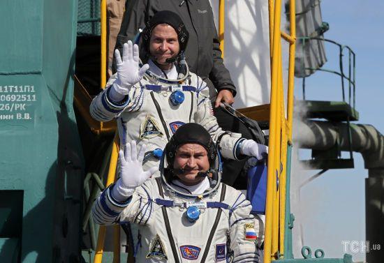 """""""Не цілком добрий"""". У РосЗМІ розповіли про стан космонавтів """"Союзу"""" після аварії"""