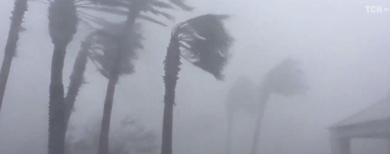 Мощный ураган надвигается на Мексику
