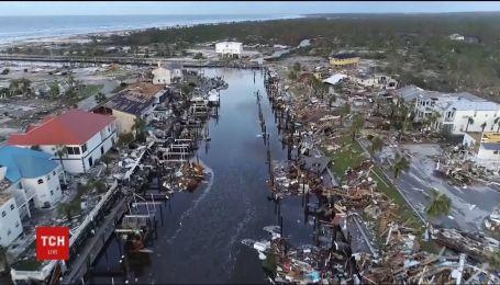 """Ураган """"Майкл"""" потрощил дома и оставил более миллиона зданий без электричества"""