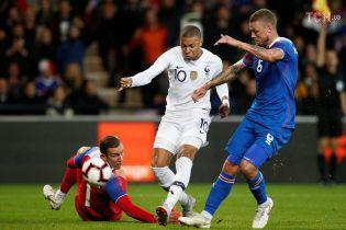 Франция чудом избежала поражения в домашней игре с Исландией, Мбаппе забил исторический мяч