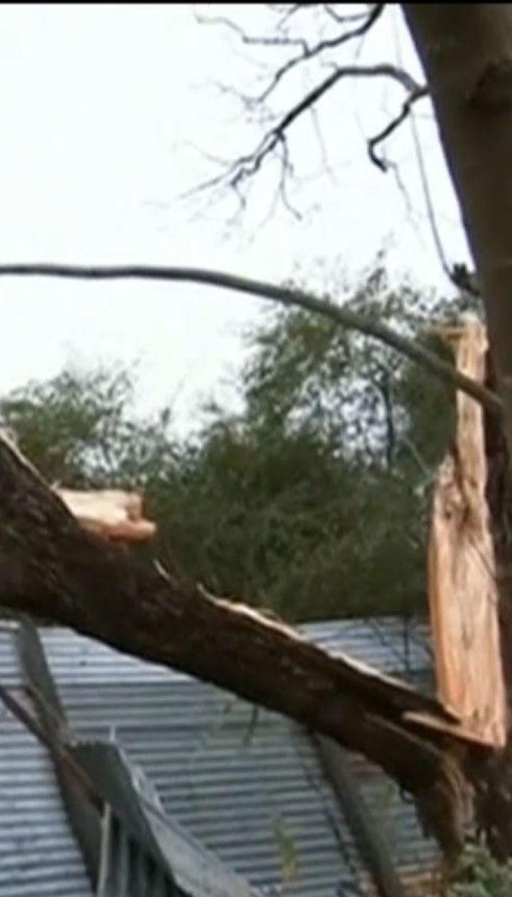 Австралией прокатился ураган с торнадо и градом, есть пострадавшие