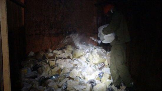 """У Москві знищили 5,5 тонни """"санкційних"""" сирів і ковбас із Європи"""