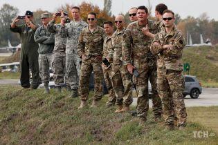 """""""Це не криза в Україні, це війна РФ проти України"""": у НАТО прокоментували події на Донбасі"""