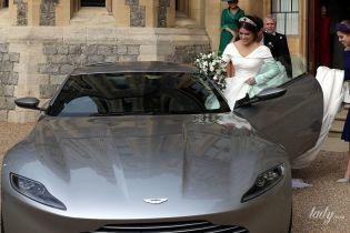Молодожены на спорткаре: принцесса Евгения и Джек Бруксбэнк уехали на вечерний прием