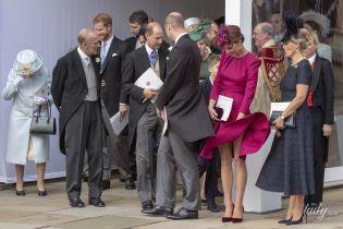 Конфузи на королівському весіллі: як герцогиня Кембриджська і принцеса Анна боролися зі стихією