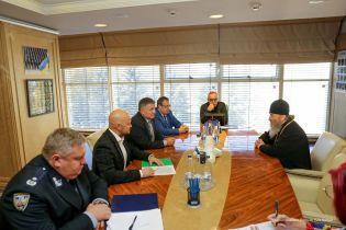 Аваков обговорив з керівництвом УПЦ КП і УПЦ МП, як не допустити насильства через автокефалію Україні