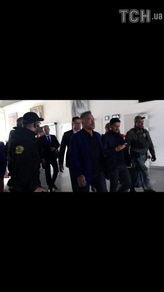 Опубліковано відео прибуття Шварценеггера до Києва