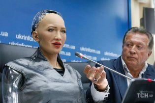 Робот Софія відповіла, хто буде наступним президентом України