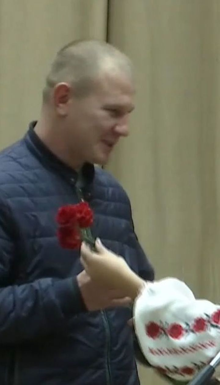 Кіборги, які до останнього боронили Донецький аеропорт, отримали нагороди до Дня захисника України