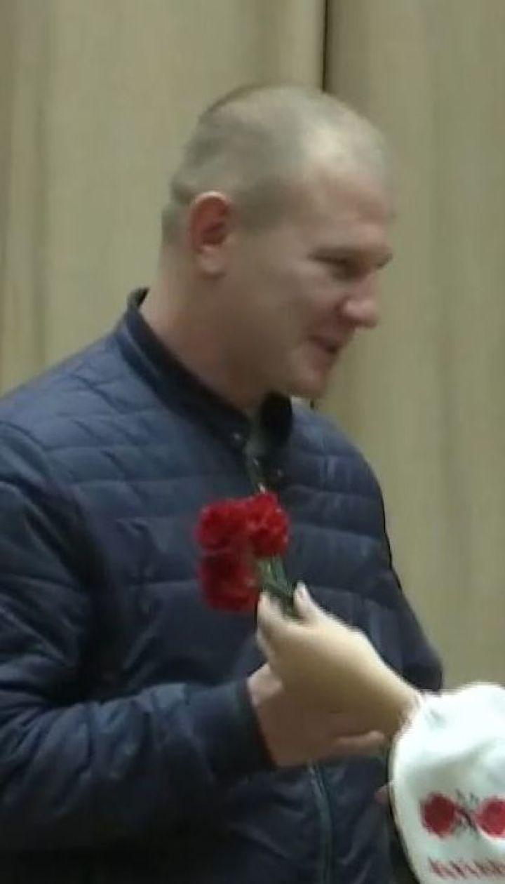 Киборги, которые до последнего защищали Донецкий аэропорт, получили награды ко Дню защитника Украины