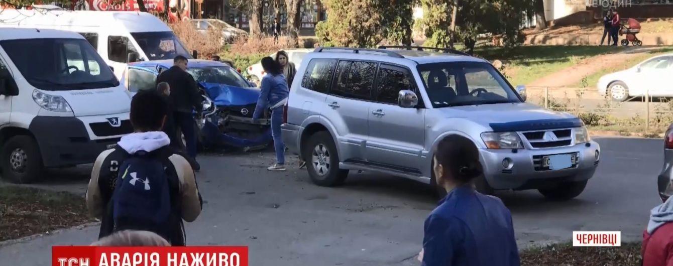 """""""Инстаграмное"""" ДТП в Черновцах: водитель-стример села за руль нетрезвой"""