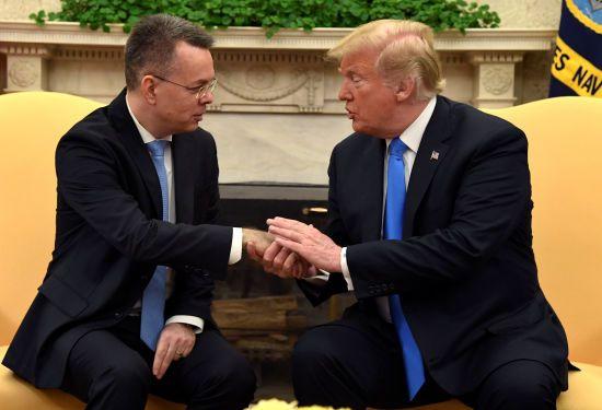 Дональд Трамп зустрівся зі звільненим з турецької в'язниці американським пастором