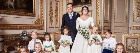 Королевский дворец поделился официальными снимками со свадьбы принцессы Евгении и Джека Бруксбэнка